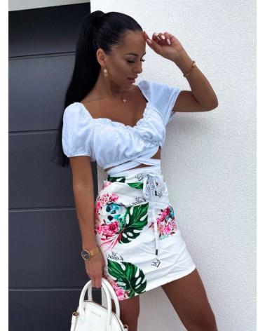 Spódnica z kieszeniami biała