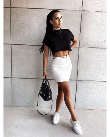 Dopasowana spódnica biała