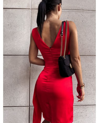 Elegancka sukienka z satyny czerwona