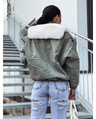 Damska kurtka ocieplana futerkiem khaki