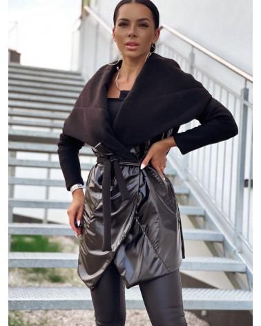 Klasyczny płaszcz damski z kapturem czarny