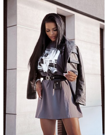 T-shirtowa sukienka z nadrukiem oversize szara