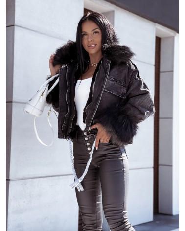 Czarna kurtka jeansowa z futerkiem czarnym