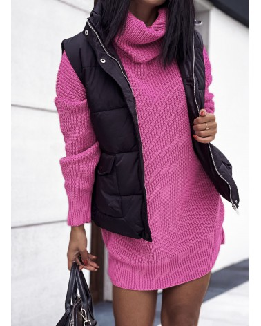 Długi sweter z golfem oversize różowy