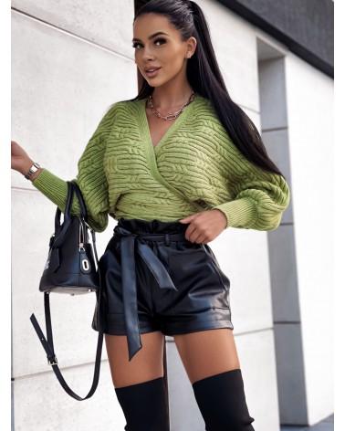 Sweter z kopertowym dekoltem zielony