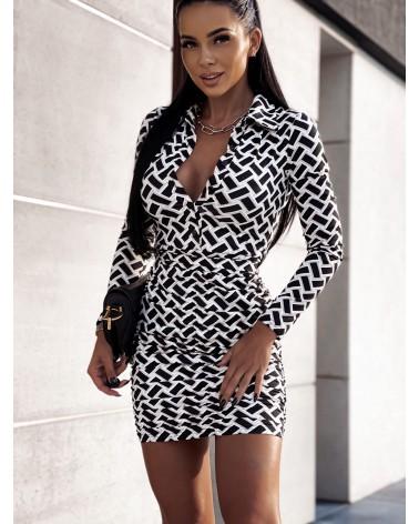 Sukienka z marszczonym dołem czarno biała