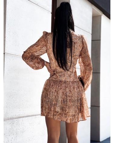 Gorsetowa sukienka z etnicznym wzorem karmelowa