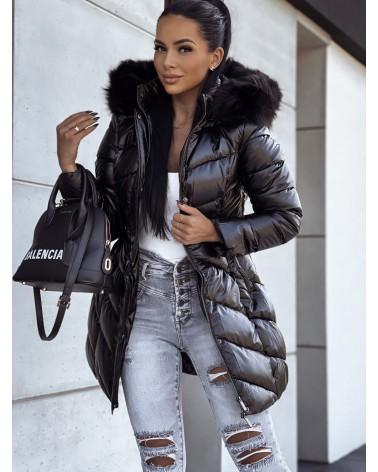 Czarna kurtka z czarnym futerkiem