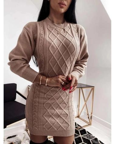 Swetrowa sukienka z wycięciem na plecach w kolorze beżowym