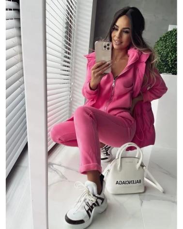 Ocieplany komplet dresowy z kamizelką w kolorze różowym