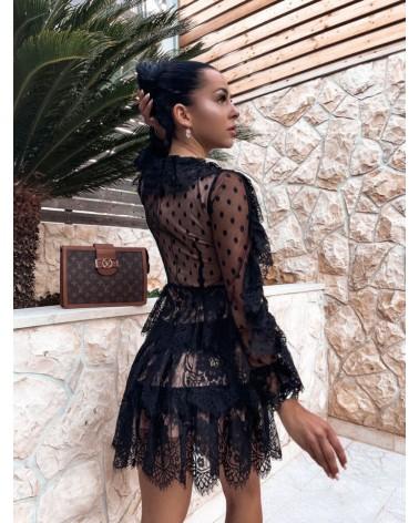 Tiulowa sukienka z podszewką