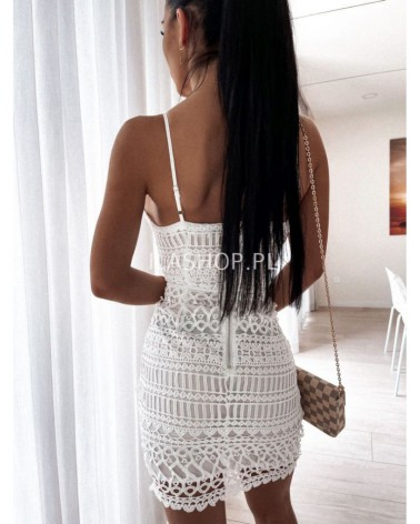 Sukienka z gipiury na ramiączkach