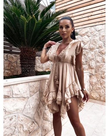 Sukienka na lato w kolorze beżowym
