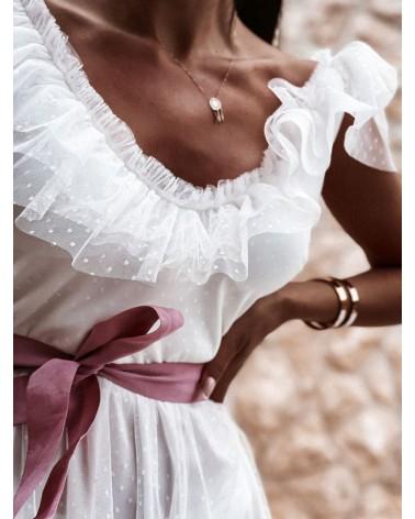 sukienka z różową wstążką