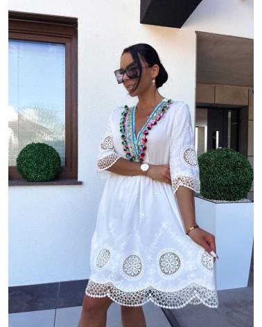 Sukienka z pomponikami biała