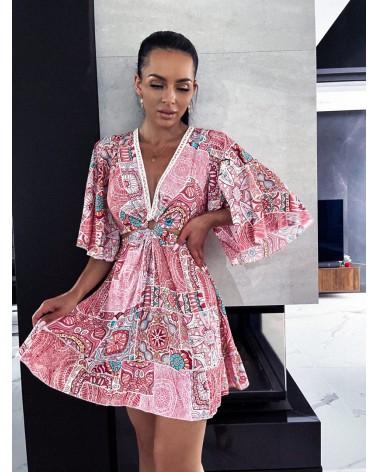 Sukienka we wzory koralowa